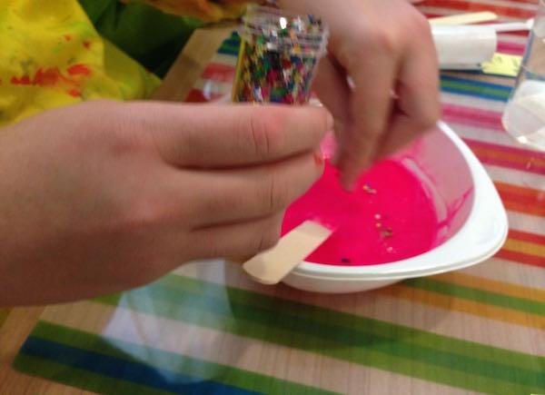 ¡Ponemos en marcha nuestro primer taller con plastilina!